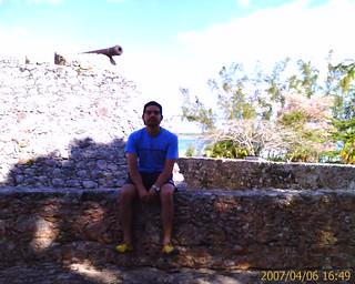 Frente al Fuerte de San Felipe
