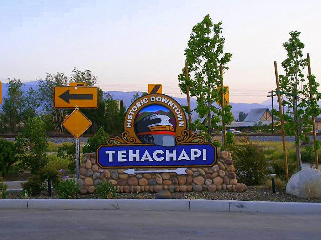 """Historic Downtown Tehachapi Sign 