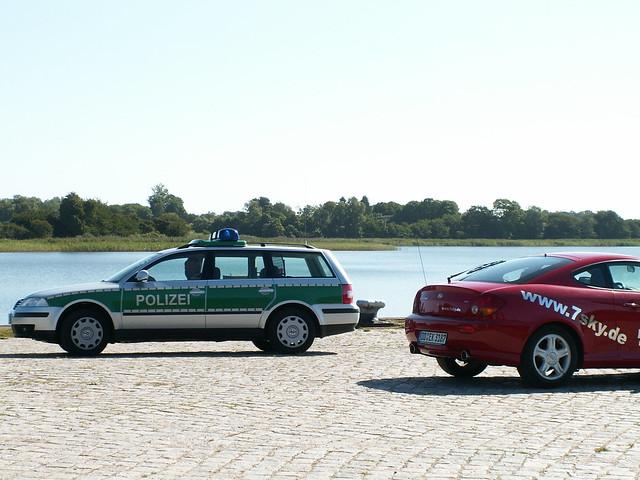 Polizei un 7sky auf der Insel Rügen in unserer stumpfen Stunde an einem schönen Nachmittag mit der Ostsee wurde jemals eine Spur gefunden und so war sie, und so war sie für immer verschwunden und starren vor sich hin im weiten Saal der Zeit 106