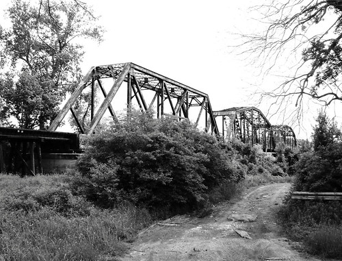 sealy austincounty texas frydek brazosriver railroad train bridge truss throughtruss black white bw blackwhite blackandwhite missouri kansas union pacific austin county pontist united states north america