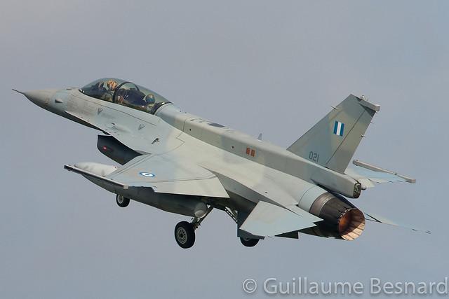 General Dynamics F-16D-52CF