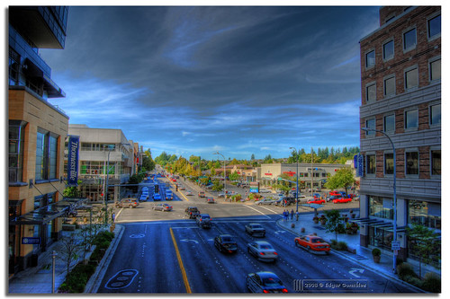 ne 8th st ne8thst edgar gonzález edgargonzález photomatix tone mapped tonemapped mapping tonemapping fotoguia 3 exp hdrphotography hdrphoto hdr wowiekazowie 3exp afuoco 1855mmf3556gii d80 travel bellevue way bellevuewayne wa washingtonstate washington state usa united states of america unitedstatesofamerica unitedstates maggianos lincoln square licolnsquare nikon nikond80