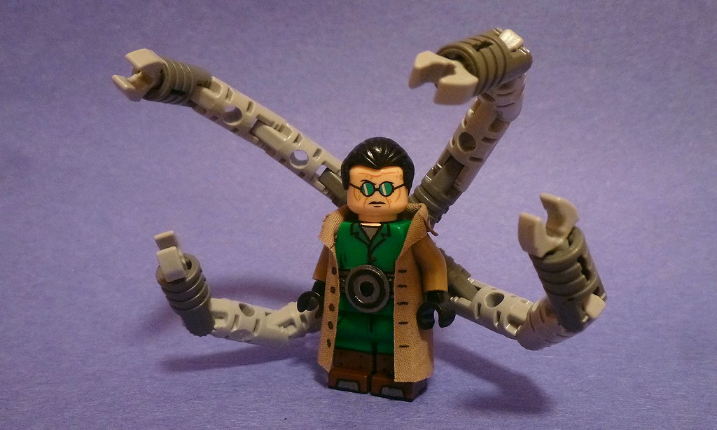 Custom Lego: Doctor Octopus   Otherwise known as Doc Ock ...