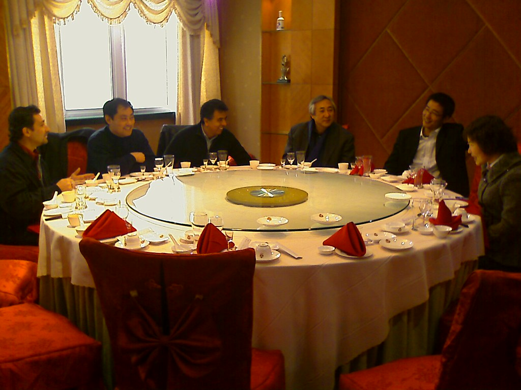 China4b2b-trip-to-Qingdao-having-lunch-with-plant-owners