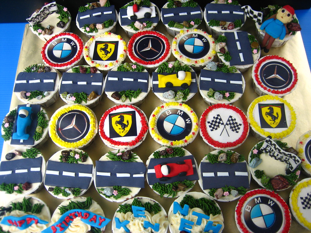 Race Car Cupcakes Cupcakes Decoration Are All Edible C Flickr