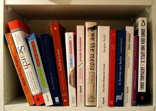 Ma bibliothèque de geek   by nitot