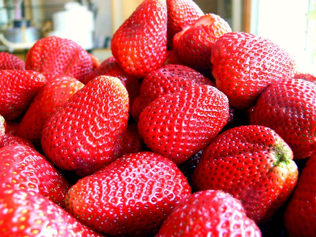 Strawberries for Wedding Cheesecakes