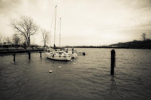 chicago harbor blackwhite nikon sailboats wilmette banias d90