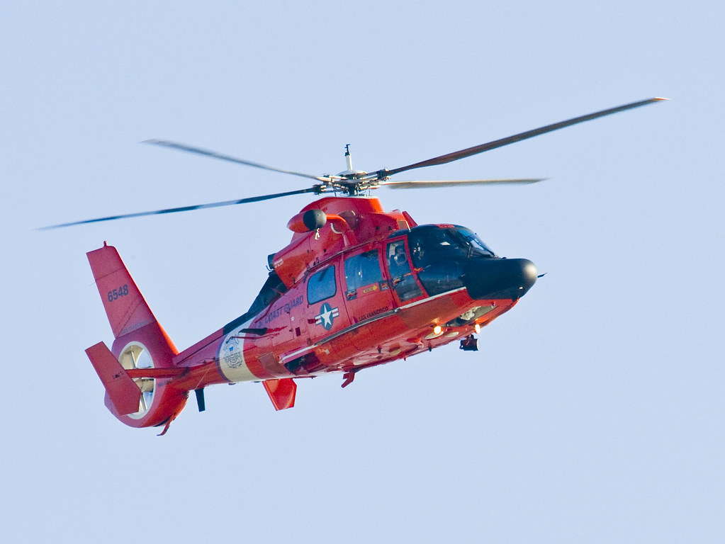 coast-guard-helicopter_K8P3492 | Coast Guard Helicopter over