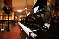 Le Piano à queue De Bébé