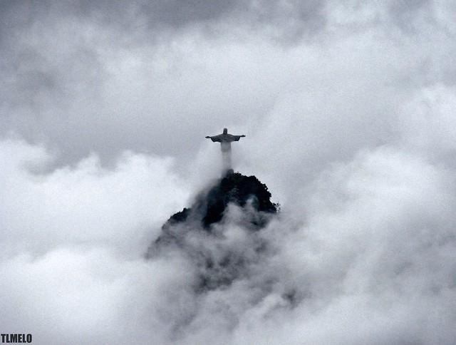 Working Undercover - Corcovado - Rio de Janeiro