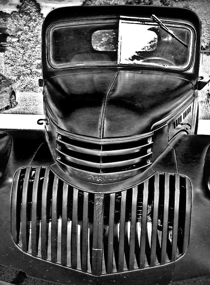 1941-46 Chevrolet Pickup | Grills on Chevy pickups stayed ...
