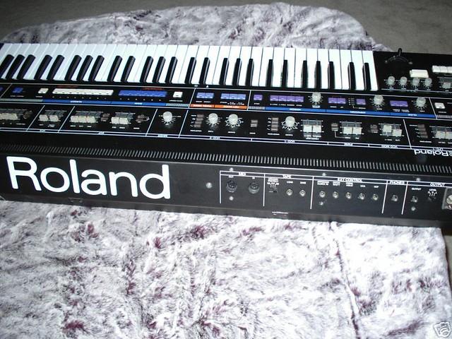 Roland Jupiter-6   matrixsynth blogspot com/2007/04/roland-j