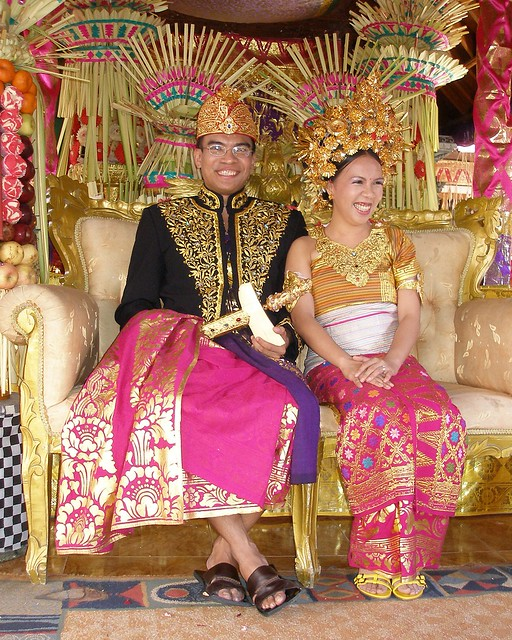 in balinese wedding costume