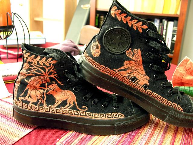 Red-figure Chucks (right side)
