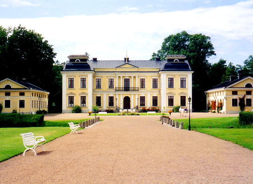 building castle yellow sweden villa 1997 benches laholm skottorp