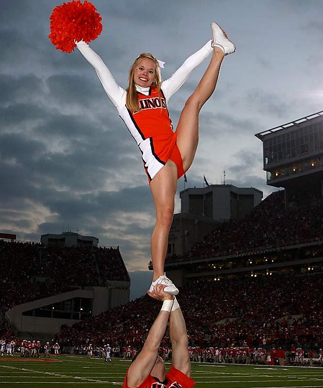 cheerleaderin high kick