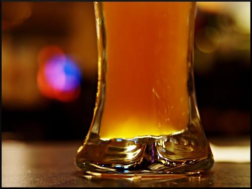 orange usa beer glass bar mi table restaurant golden us airport bokeh fb michigan sony cerveza detroit explore romulus bier cerveja alpha dslr refreshing birra bir bubbly suds bière biro bira cervesa mostviewed a300 coldone view500 biero biera jwala fave5 fave10 fave25 nowandhere davidfarrant