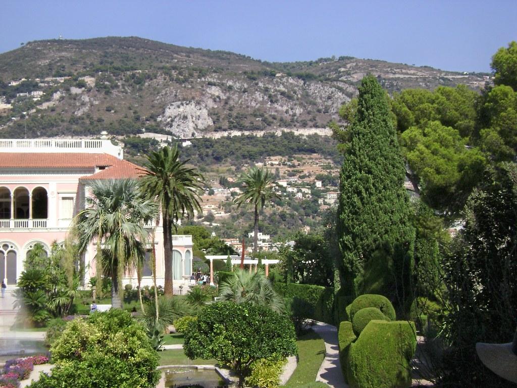 Villa Rothschild & jardin, St-Jean-Cap-Ferrat, France - ww ...