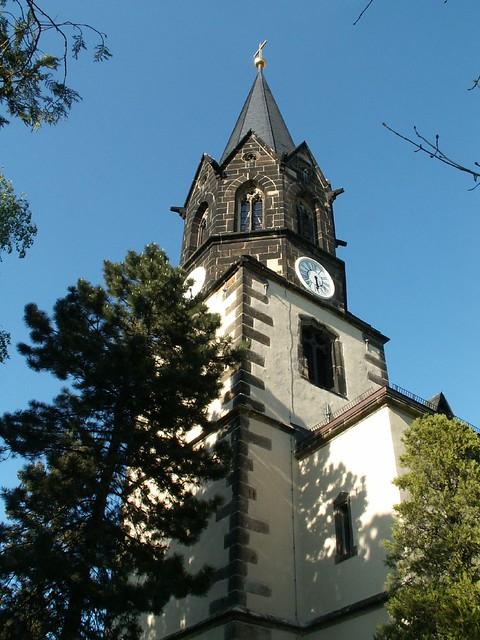 Du auf deinem höchsten Dach, was sollen die steinernen Dinge der Kirche in Dresden Kaditz traun, viel besser wäre es den Acker zu baun und seiner selbst genießen 085