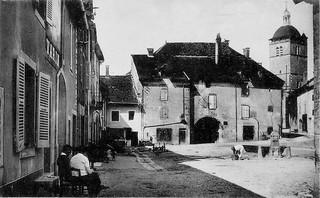 Place du bourg de Merlia à Orgelet