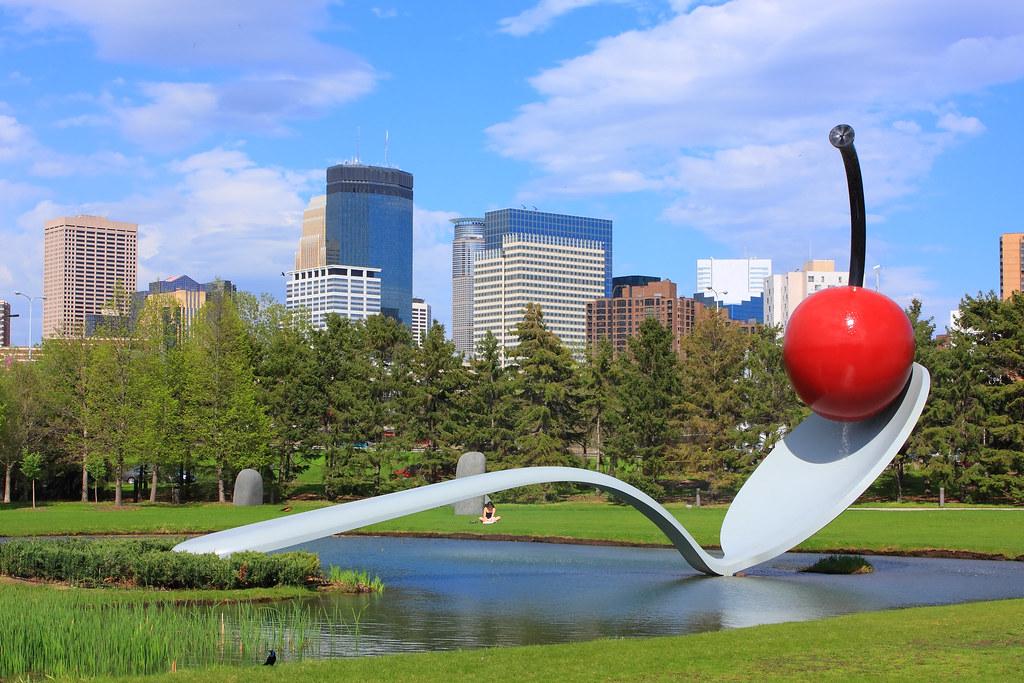 Hasil gambar untuk Minneapolis Sculpture Garden