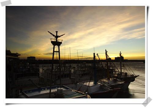 sunset sky sun sunshine canon landscape hsinchu taiwan 台灣 fishingboat 日落 新竹 2007 南寮漁港 船 漁船