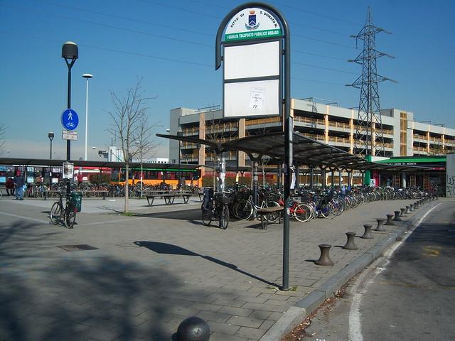 Stazione delle biciclette (San Donato Milanese)
