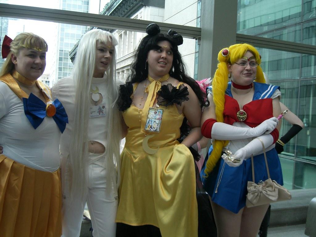 Take Two Group Shot Of Sailor Venus Sailor Moon Me Luna