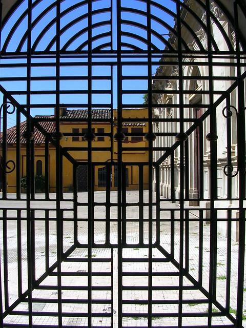 2007 - 12 - 13 - Granada Nicaragua gate