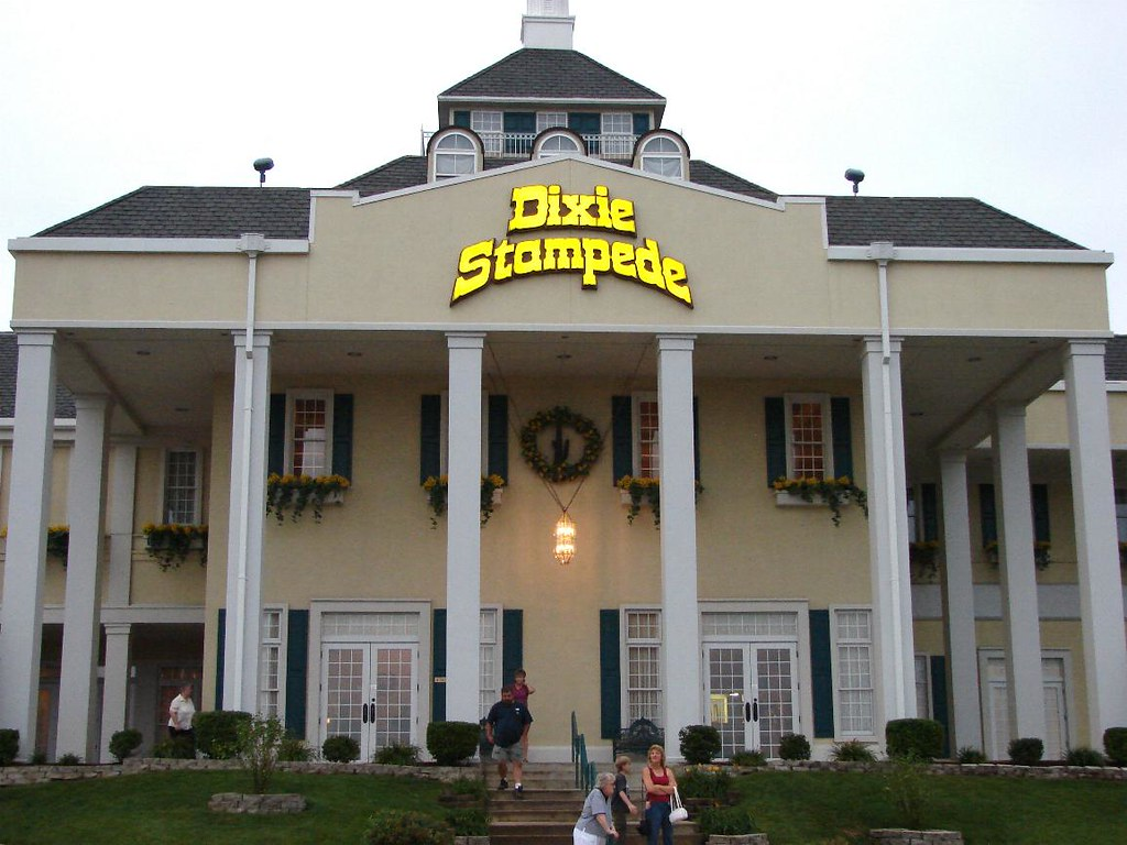 Dixie Stampede The Front Of The Dixie Stampede Theatre