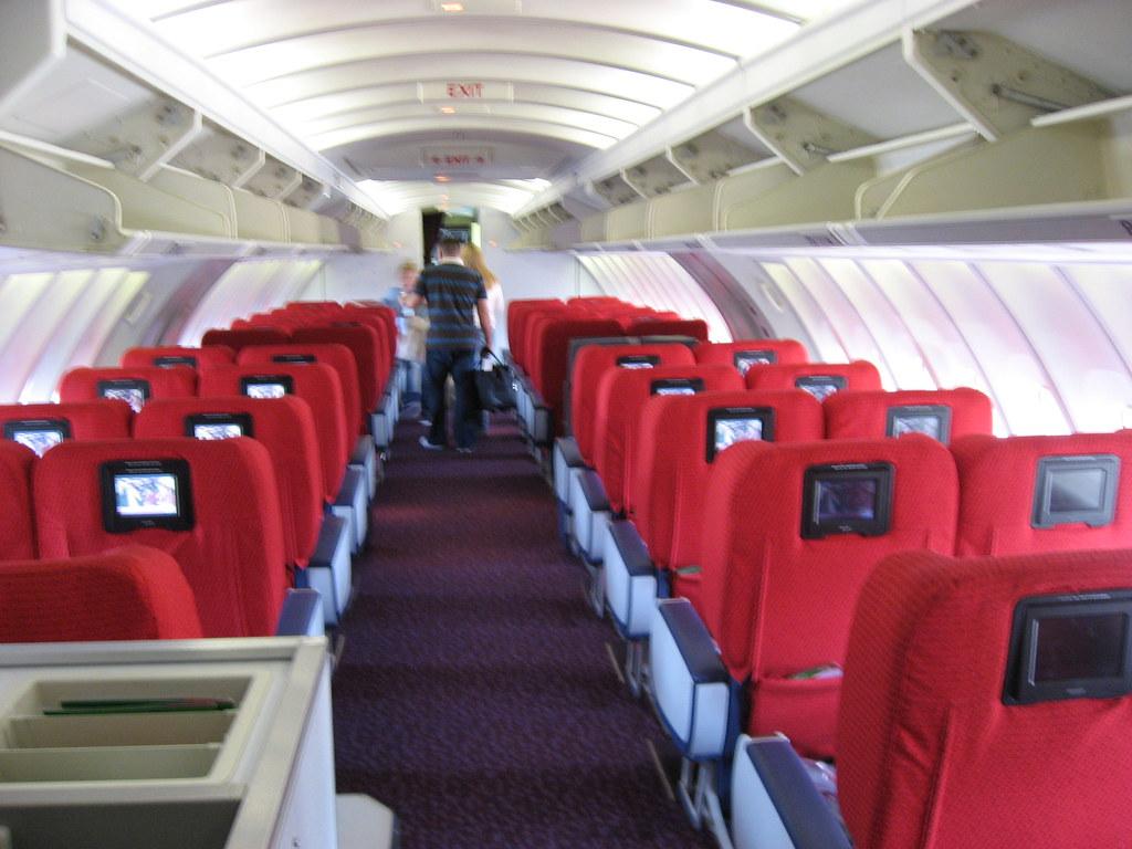 Virgin Atlantic Premium Economy   The upper deck of 'Jersey ...