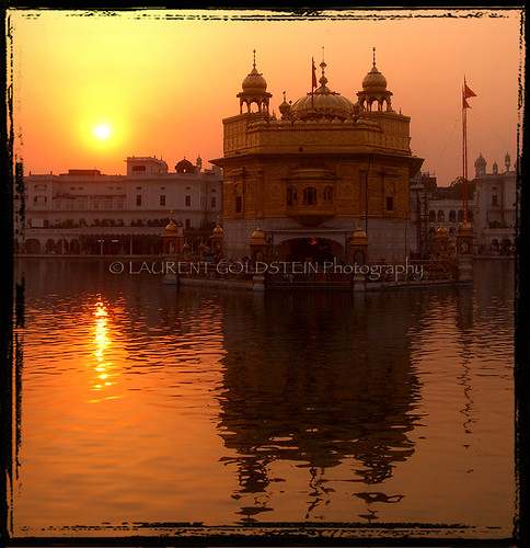 sunset india heritage beauty architecture spectacular temple photography evening colours faith religion dream atmosphere silence devotion sikh spiritual amritsar breathtaking sikhism contrejour goldentemple भारत indiasong hourofthesoul