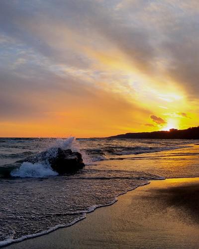 sunset toronto bliss lakeontario shoreline