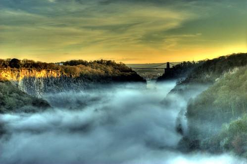 sunset mist fog bristol geotagged cliftonsuspensionbridge canonef1740mmf4lusm isambardkingdombrunel ikb avongorge geo:lat=51469269 geo:lon=2634884