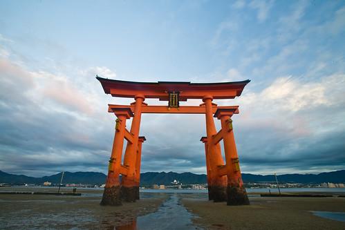 original japan canon unescoworldheritagesite hiroshima miyajima itsukushimashrine 日本 5d torii 厳島神社 unescoworldheritage 2007 広島 宮島 1635mm jauderho japan2007