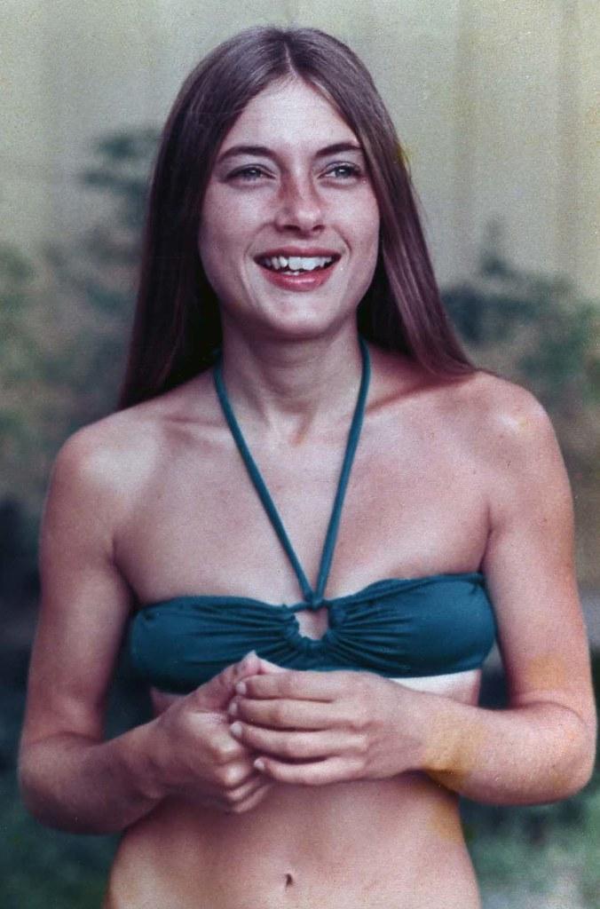 Joanne Hooper: Photo 2 of 5
