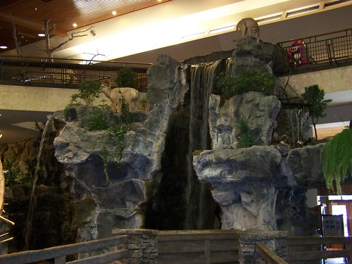 decorations waterfall display mo missouri springfield basspro bassproshops bassproshop outdoorworld indoorwaterfall sportinggoodsstore