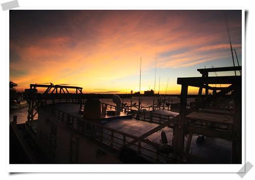 sunset sun nature sunshine canon landscape hsinchu taiwan 台灣 日落 新竹 2007 南寮漁港 diamondclassphotographer flickrdiamond