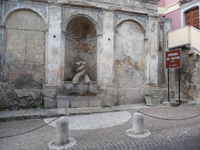 Fontana dei delfini - Stilo