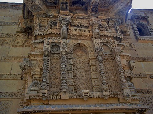The tomb of Jam Nido at Makli Hills, Thatta, Sindh, Pakistan - March 2008 | by SaffyH