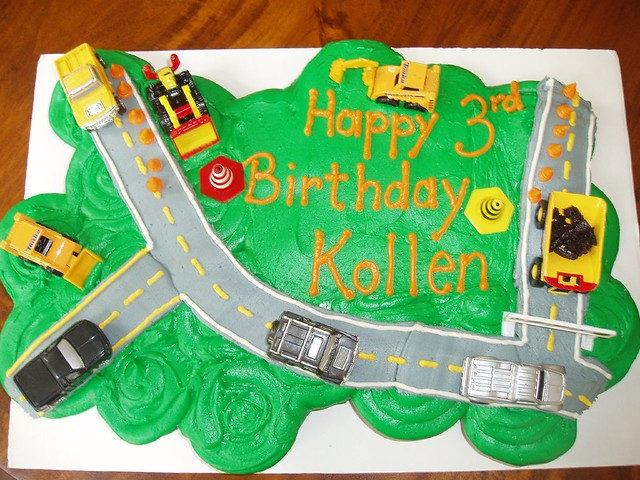 Fantastic Tonka Truck Cupcake Cake Ive Been Noticing A Cool Trend O Flickr Funny Birthday Cards Online Necthendildamsfinfo