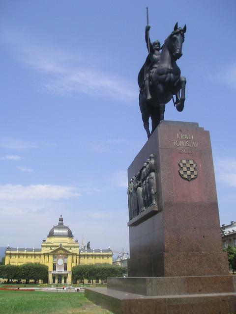 Zagreb Trg Kralja Tomislava Spomenik Kralja Tomislava Flickr