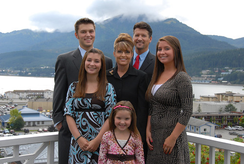 Spot which Palin was carrying the 'Good Omen' baby?