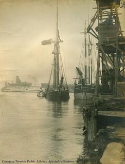 Yonge St Wharf. 1906