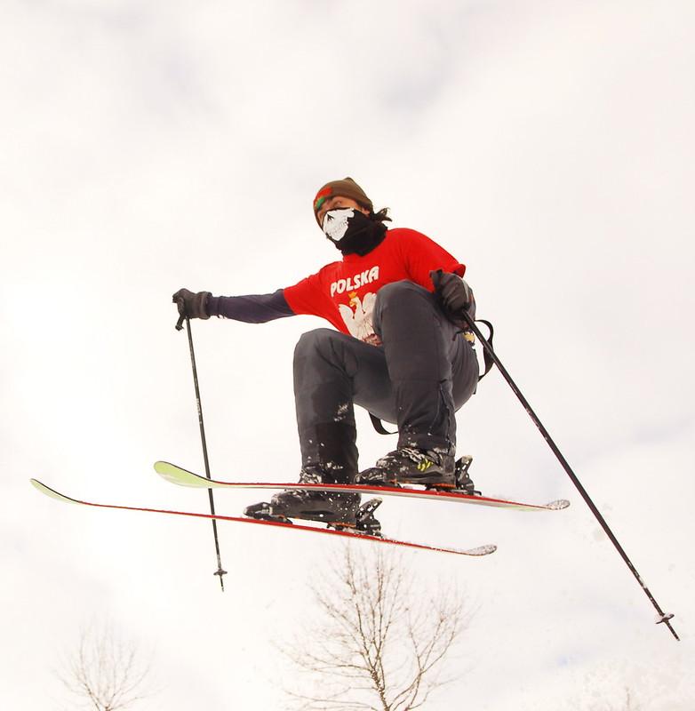 Skully skier shot