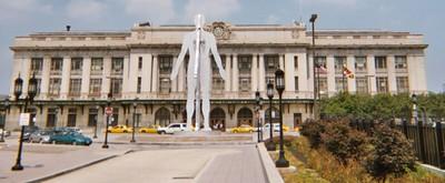 Male/Female sculpture by Jonathan Borofsky, Penn Station, Baltimore