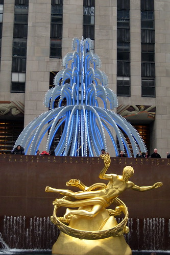 NYC - Rockefeller Plaza: Electric Fountain and Prometheus | by wallyg