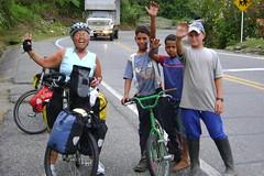 Nancy with friends near the top of the climb to Alto de Ventanas