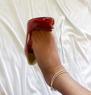Classic toe dangle...